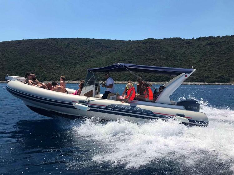Capelli 770 rib Boat rental